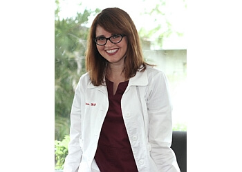 Hollywood eye doctor Inna Ozerov, MD