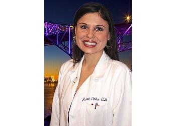 Corpus Christi eye doctor Dr. Janet M. Pena, OD