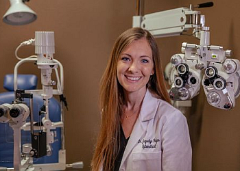 Oceanside pediatric optometrist Dr. Jaquelyn Rojas, OD