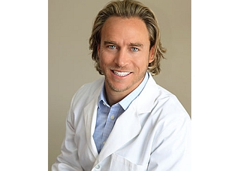 Arlington orthodontist Dr. Jed Hildebrand, DDS, MSD