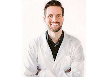 Seattle dentist Dr. Jeff Knudson, DDS