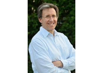 Winston Salem dentist Dr. Jeff Leal, DDS, FAGD
