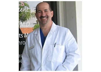 Santa Clarita orthopedic Dr. Jeffrey A. Kantor, MD
