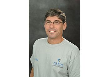 Louisville cosmetic dentist Dr. Jeffrey Klein, DMD