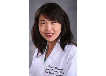Elgin pain management doctor JoAnna C. Barclay MD