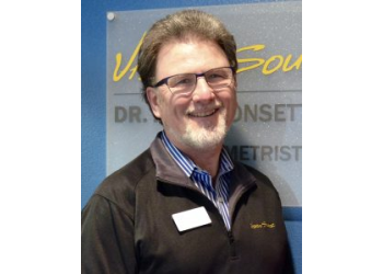 Madison pediatric optometrist Dr. John D. Bonsett-Veal, OD