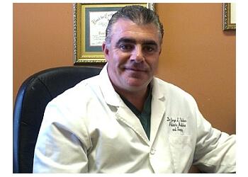 Pembroke Pines podiatrist Dr. Jorge L Valdes, DPM