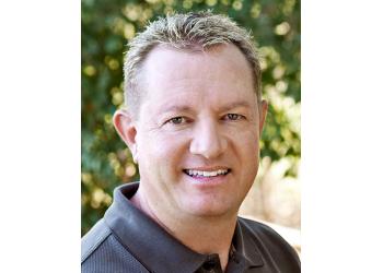Santa Rosa dentist Dr. Justin D Phillips, DDS
