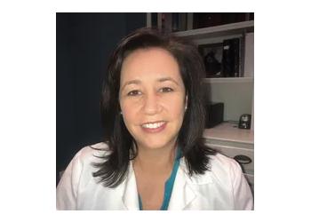 Lexington cosmetic dentist Dr. Kelly Arnold, DMD