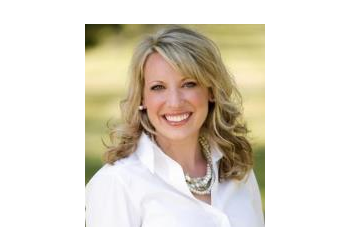 Kansas City dentist Dr. Kelly McCracken, DDS
