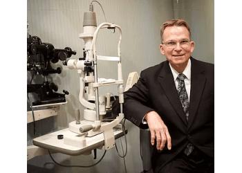 Peoria eye doctor Dr. Krey Bixby, OD