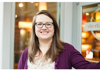 Portland pediatric optometrist Dr. Kristen Derry, OD