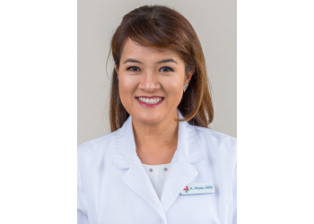 Huntington Beach cosmetic dentist Dr. Krystal H. Pham, DDS