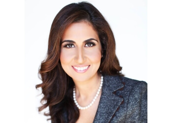 Phoenix cosmetic dentist Leila Hakimzadeh, DDS