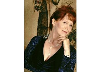 Dr. Linda Edith Seaver, MD