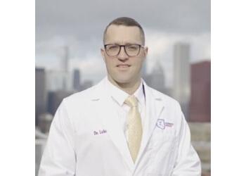 Chicago chiropractor Dr. Luke Stringer, DC