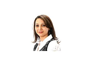 Elgin pediatric optometrist Dr. Manal Hajali, OD