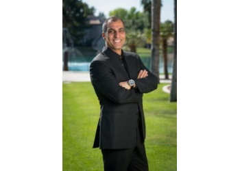 Chandler cosmetic dentist Dr. Mark Arooni, DDS