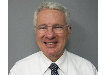 Glendale plastic surgeon Dr. Marlin Dimond, MD