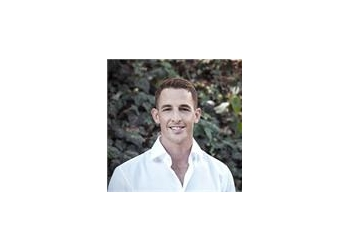 Los Angeles chiropractor Dr. Matt DeLeva, DC