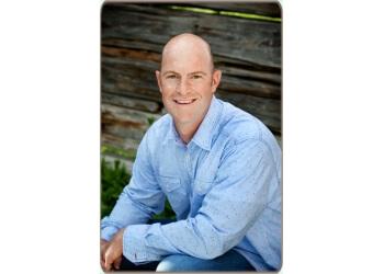 Overland Park cosmetic dentist Dr. Matthew T. Lenz, DDS