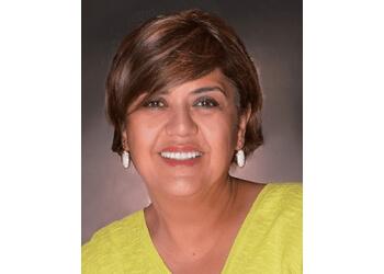 El Paso cosmetic dentist Dr. Mehrnoosh Darj, DDS