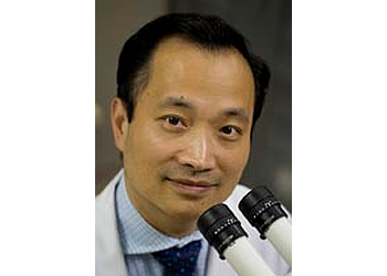Nashville eye doctor Ming Wang, MD
