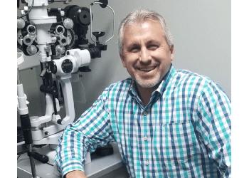 Bridgeport pediatric optometrist Dr. Neil Rosen, OD