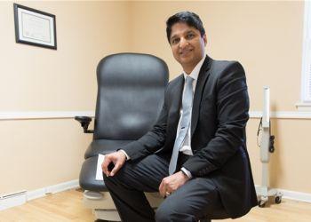 Naperville podiatrist Dr. Praveen Vohra, DPM