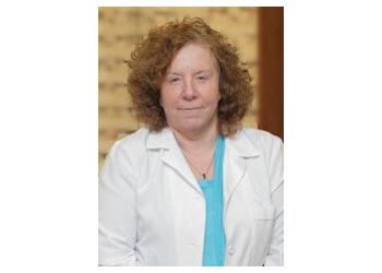 Jersey City pediatric optometrist Dr. Randi Savoy, OD