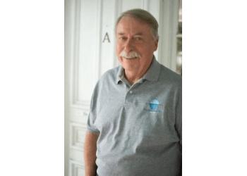 Charleston eye doctor Dr. Robert Lopanik, OD