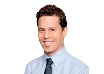 St Petersburg cosmetic dentist Dr. Roberto Macedo, DDS, MS, PhD