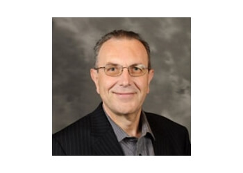 Grand Rapids endocrinologist Ruggero Battan, MD