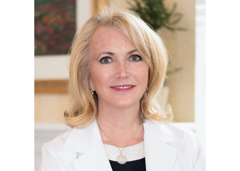 Knoxville cosmetic dentist Dr. Ruth Bailey, DDS