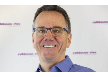 Columbia orthodontist Dr. Scott Robinson, DDS