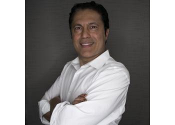 Santa Clarita cosmetic dentist Dr. Sean Hakimi, DDS