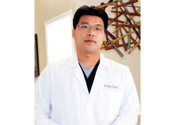 Elgin chiropractor Dr. Seung Hyun Jung, DC