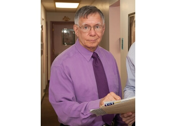 Detroit cosmetic dentist Stephen J Krawiec, DDS, PC