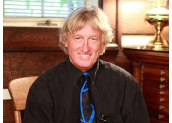 Kansas City cosmetic dentist Dr. Steven C. Mingos, DDS