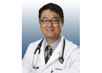 Cedar Rapids pain management doctor Dr. Sunny R. Kim, MD, FAAPMR