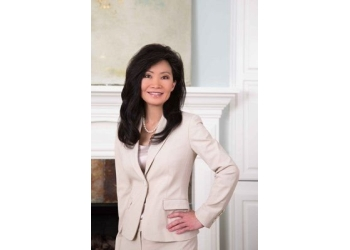 Little Rock plastic surgeon Dr. Suzanne W. Yee, MD, FACS