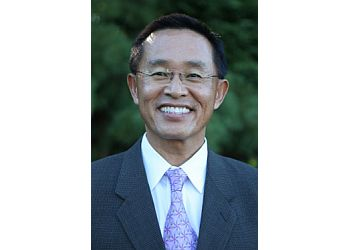 St Louis pain management doctor T.Z. Chen, MD