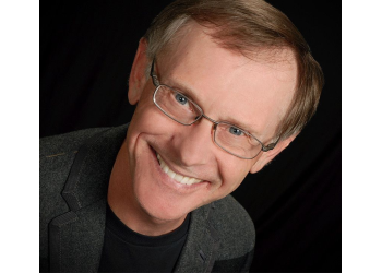 Memphis cosmetic dentist Dr. Timothy Hacker, DDS