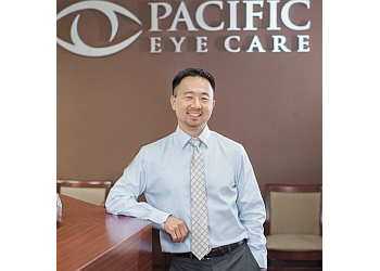 Huntington Beach pediatric optometrist Dr. Walter Yim, OD
