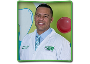 Coral Springs kids dentist Dr. William Peña, DMD