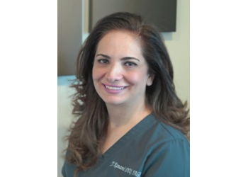 Aurora dentist Dr. Yasmin Kanani, DDS