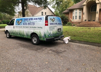 Virginia Beach lawn care service Dreamlawns, LLC.