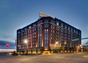 Wichita hotel Drury Plaza Hotel Broadview