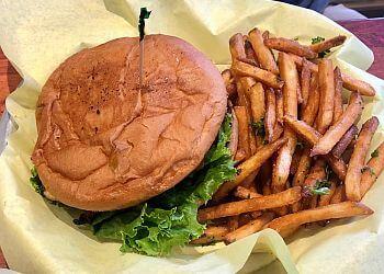 Salinas sports bar Dubber's Oldtown Bar And Grill