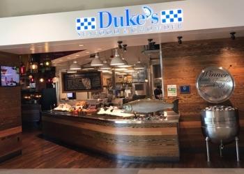 Bellevue seafood restaurant Duke's Seafood & Chowder